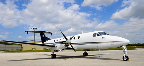 Beech 1900 B1900 air charter aircraft leasing
